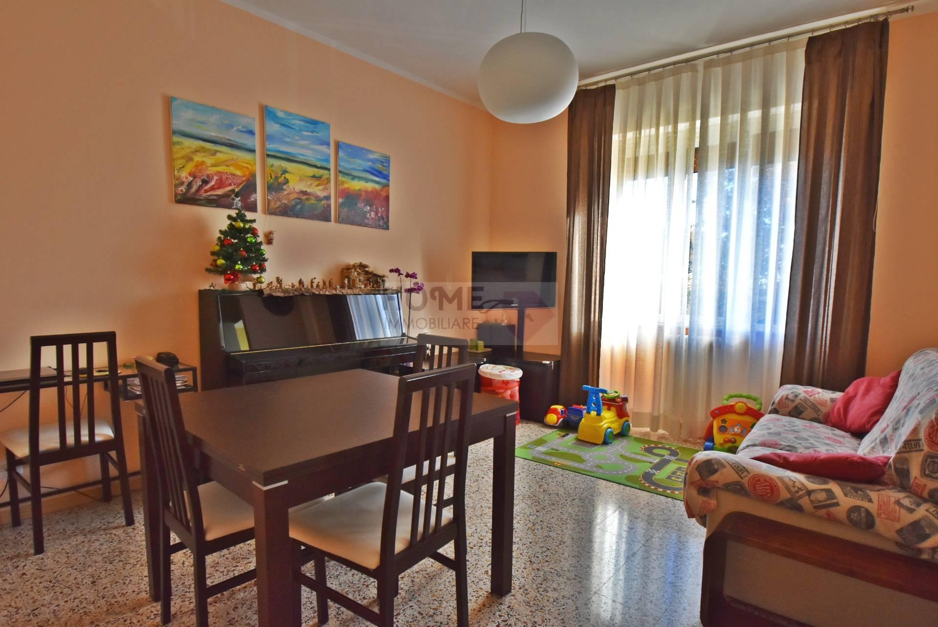 Appartamento in vendita a Macerata, 4 locali, zona Zona: Semicentrale, prezzo € 107.000 | Cambio Casa.it
