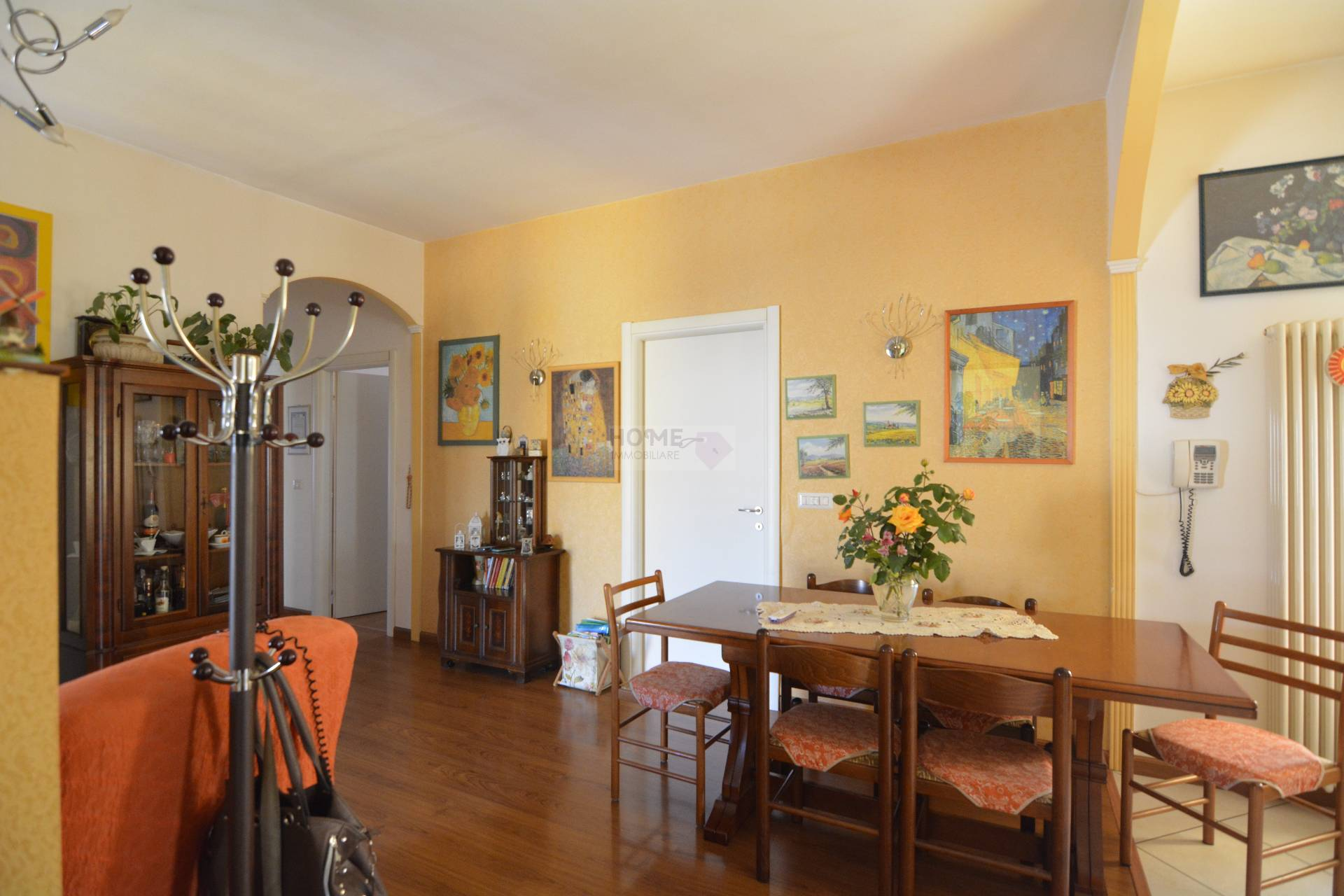 Appartamento in vendita a Macerata, 7 locali, zona Località: ZonaStadiodeiPini, prezzo € 172.000 | Cambio Casa.it