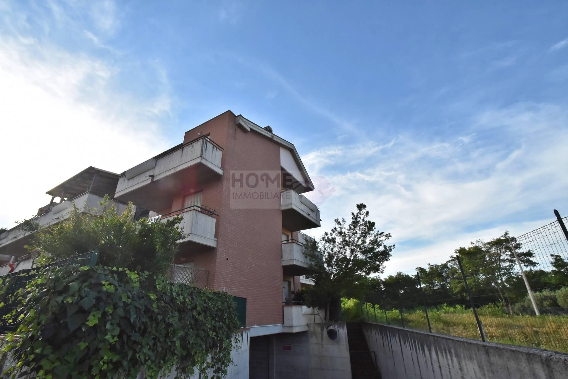Appartamento in affitto a Corridonia, 3 locali, zona Zona: Colbuccaro, prezzo € 350 | Cambio Casa.it