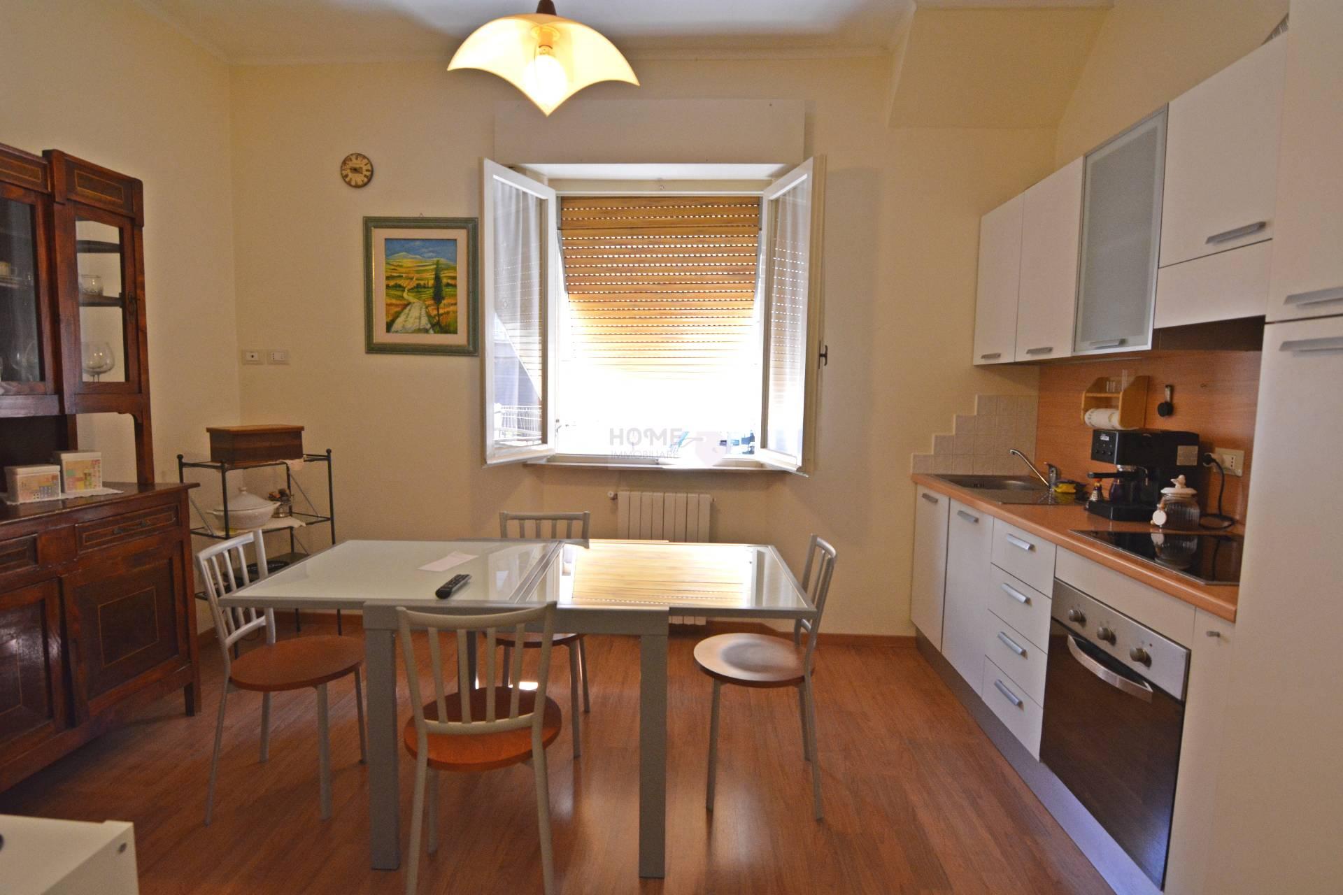 Appartamento in vendita a Macerata, 4 locali, zona Zona: Semicentrale, prezzo € 80.000 | Cambio Casa.it