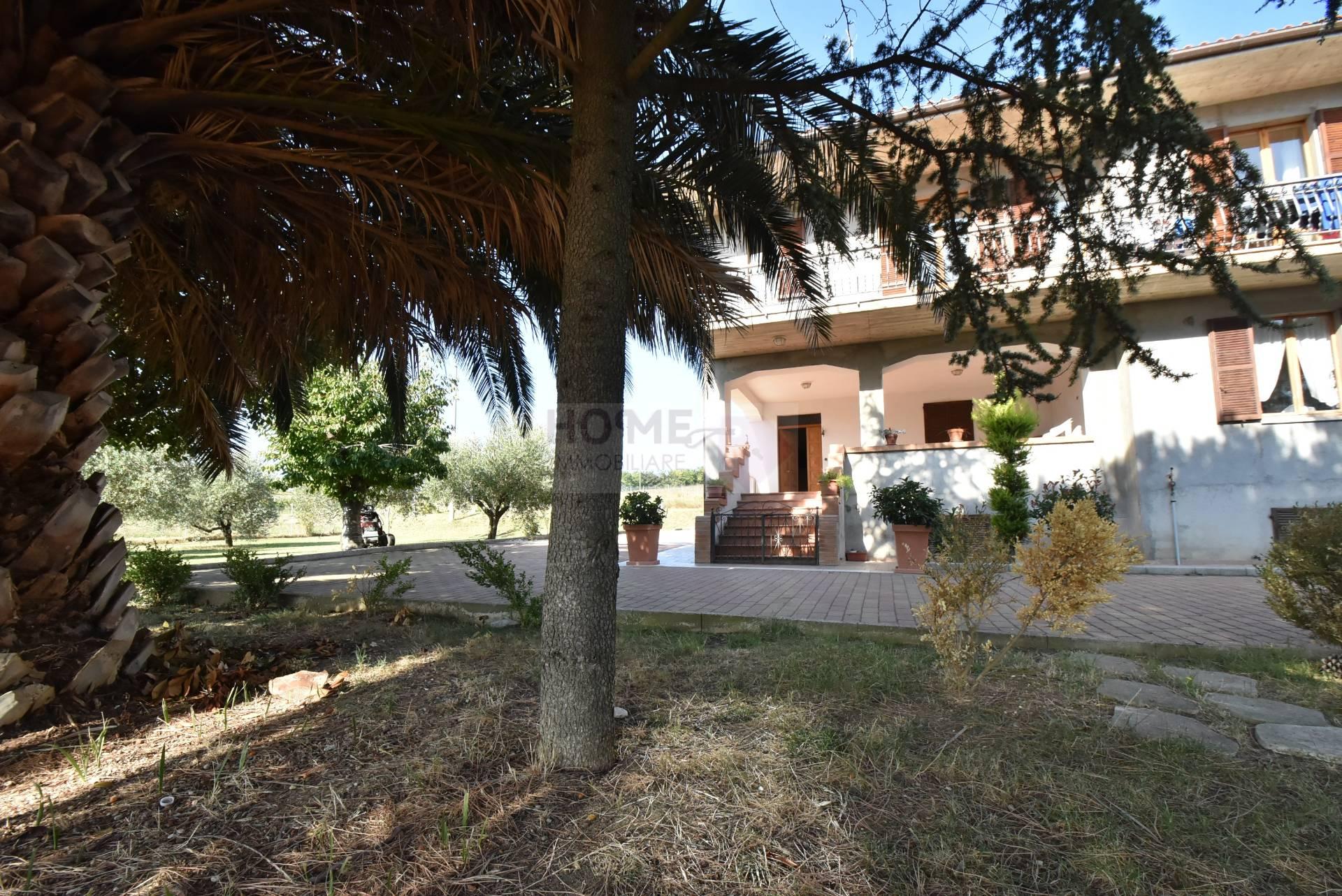 Soluzione Indipendente in vendita a Macerata, 12 locali, prezzo € 450.000 | Cambio Casa.it
