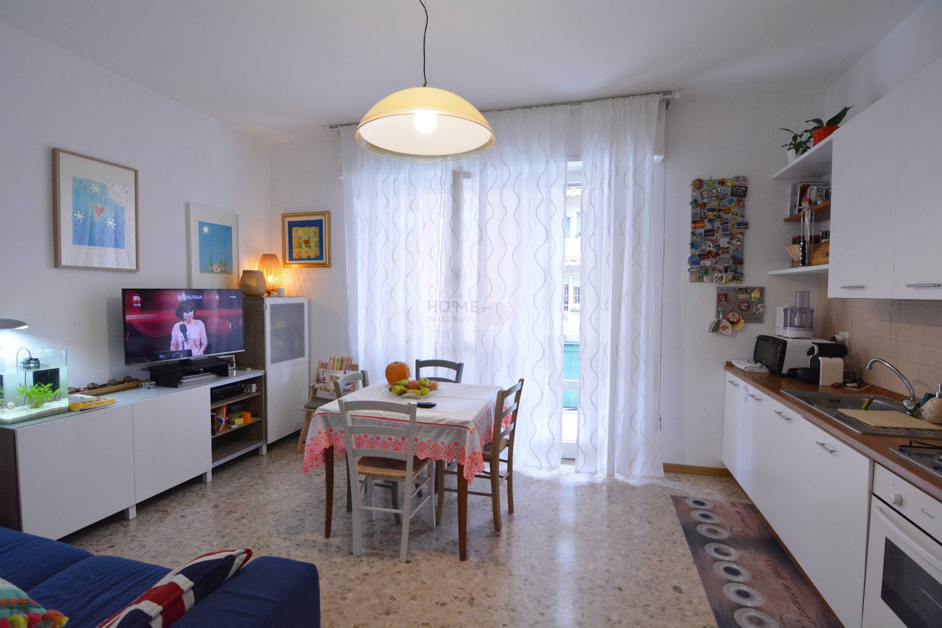 Appartamento in vendita a Macerata, 5 locali, zona Zona: Semicentrale, prezzo € 95.000 | CambioCasa.it