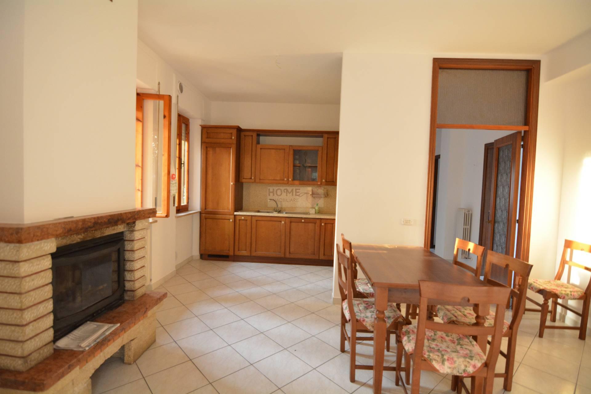 Appartamento in vendita a Corridonia, 7 locali, zona Località: zonasemi-centrale, prezzo € 160.000 | Cambio Casa.it