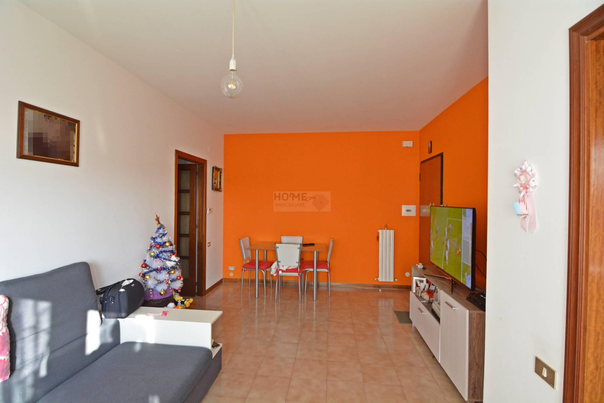 Appartamento in vendita a Macerata, 4 locali, zona Zona: Semicentrale, prezzo € 72.000 | CambioCasa.it