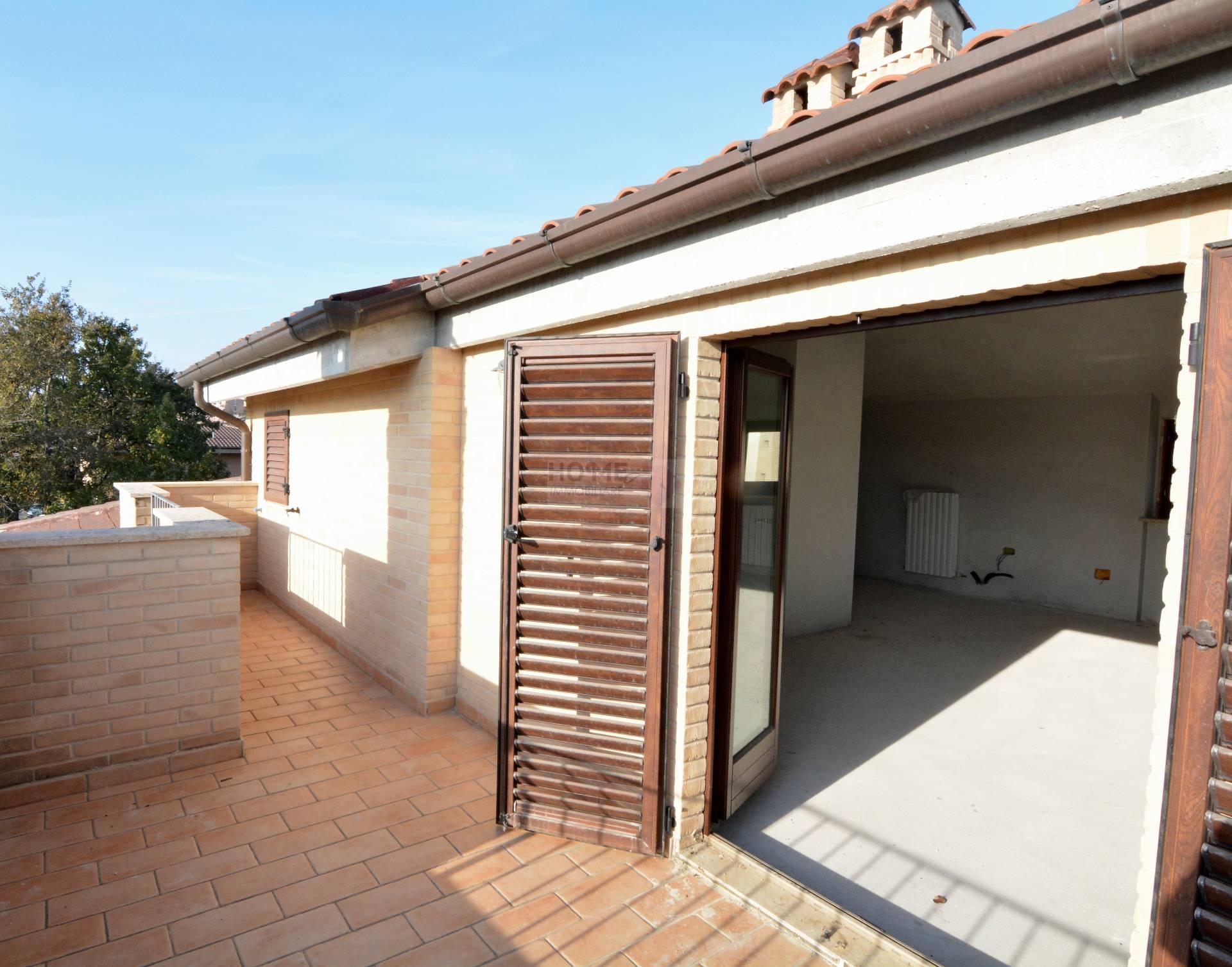 Annunci di case e appartamenti in vendita a macerata for Case in vendita macerata