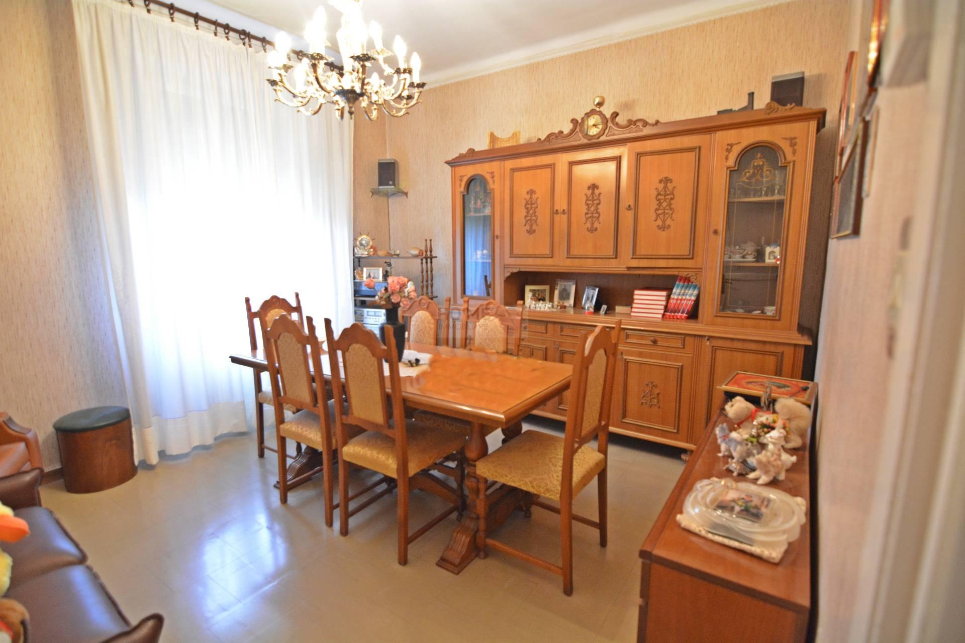 Appartamento in vendita a Macerata, 5 locali, zona Zona: Semicentrale, prezzo € 65.000   CambioCasa.it