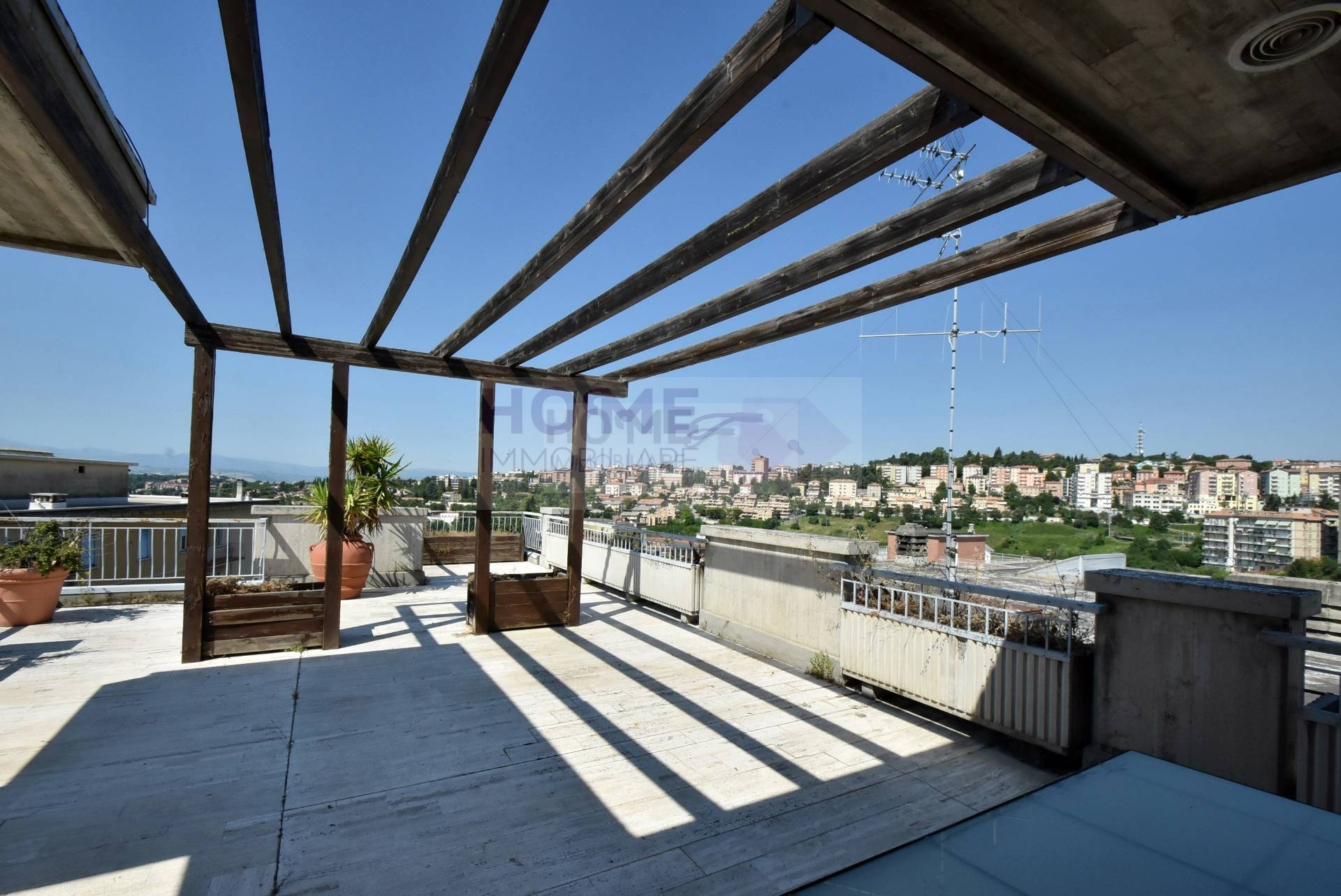 Attico / Mansarda in vendita a Macerata, 7 locali, zona Località: ZonaCentrale, prezzo € 340.000 | CambioCasa.it