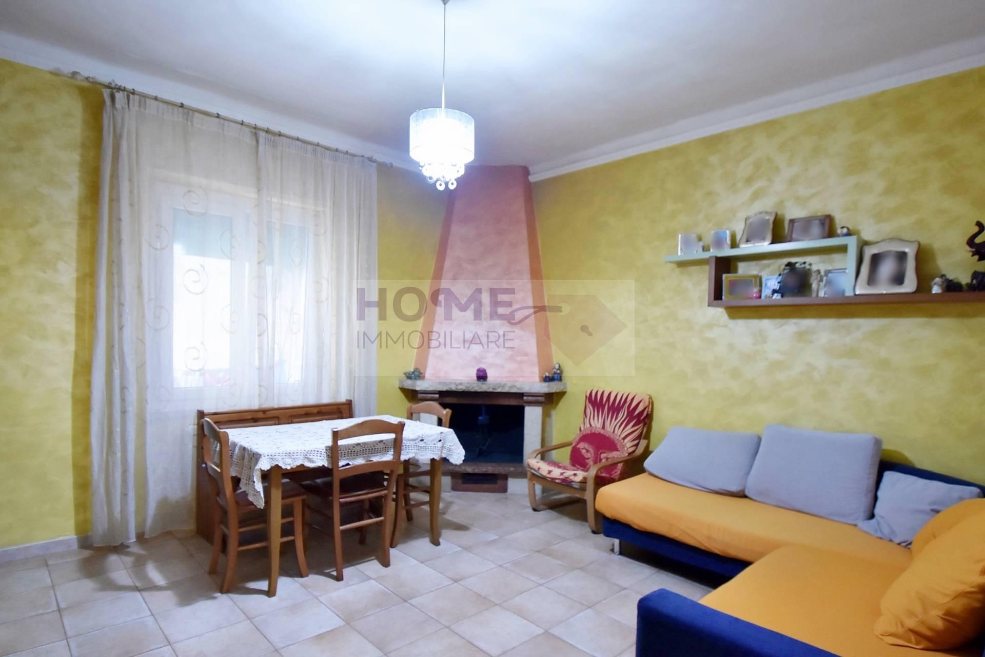 Appartamento in vendita a Macerata, 6 locali, zona Località: ZonaCentrale, prezzo € 120.000 | CambioCasa.it