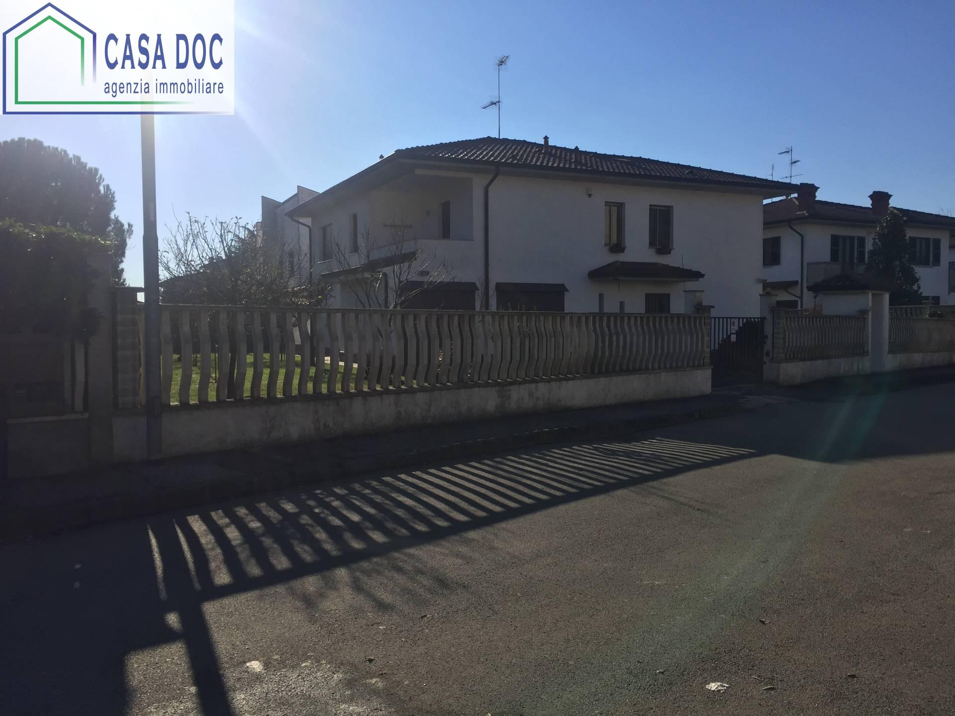 Villa in vendita a Siziano, 3 locali, prezzo € 259.000 | CambioCasa.it
