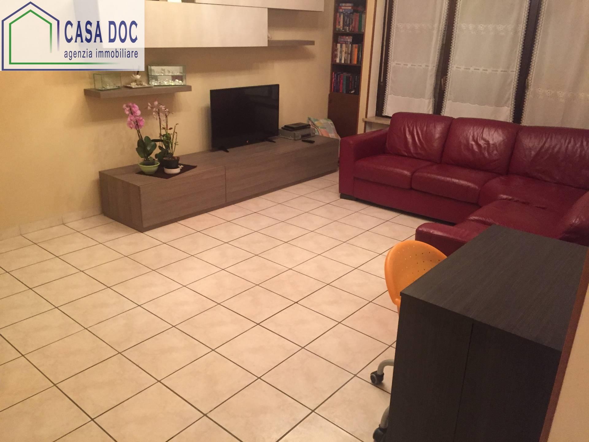 Appartamento in vendita a Rozzano, 3 locali, prezzo € 185.000 | CambioCasa.it