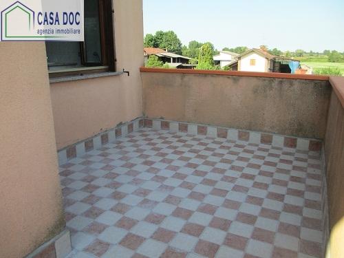Appartamento in vendita a Torrevecchia Pia, 5 locali, prezzo € 109.000 | CambioCasa.it
