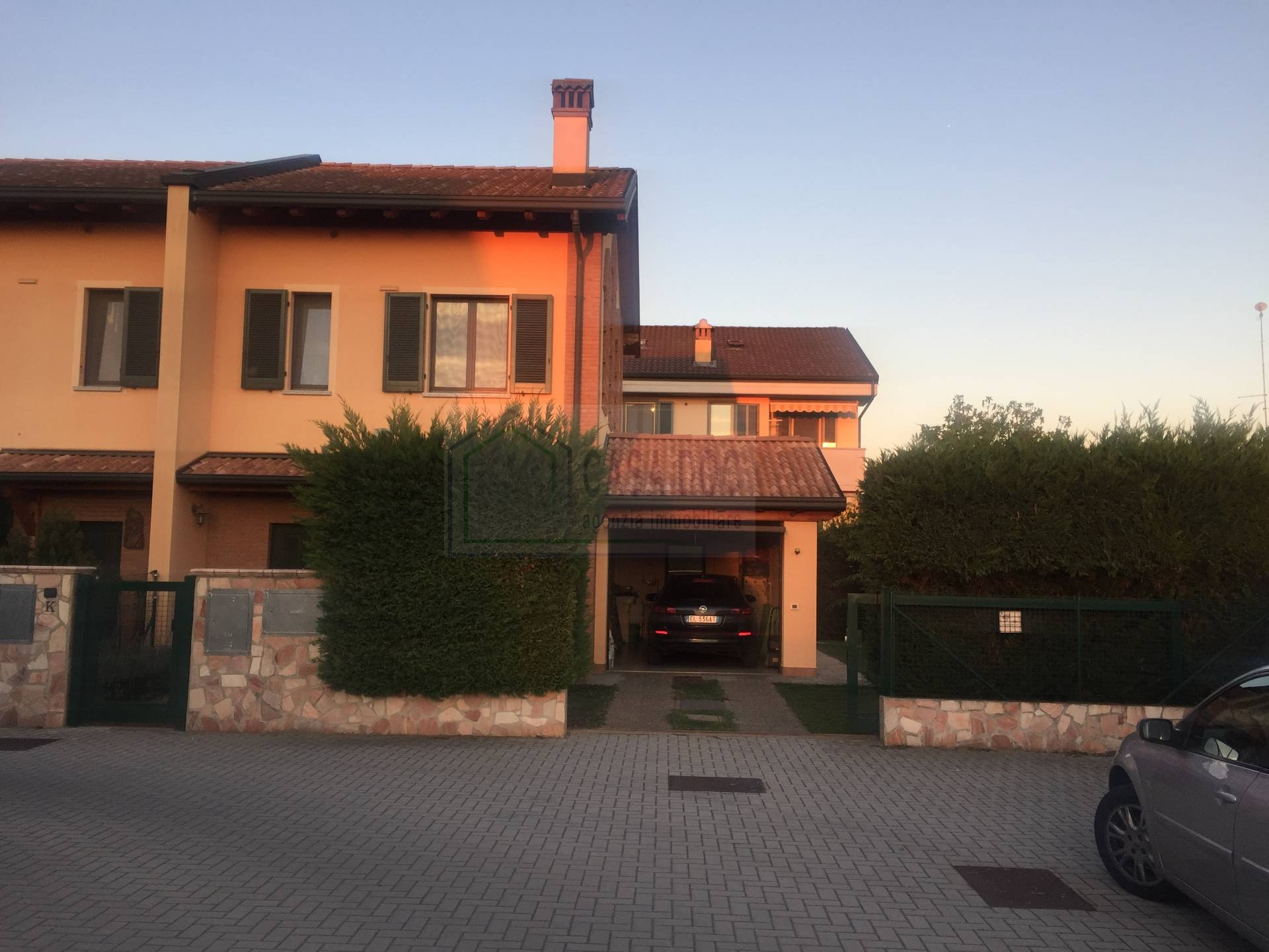 Villa a Schiera in Vendita a Bornasco