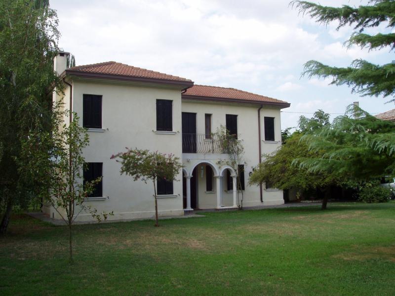 Villa in Vendita a Ceregnano