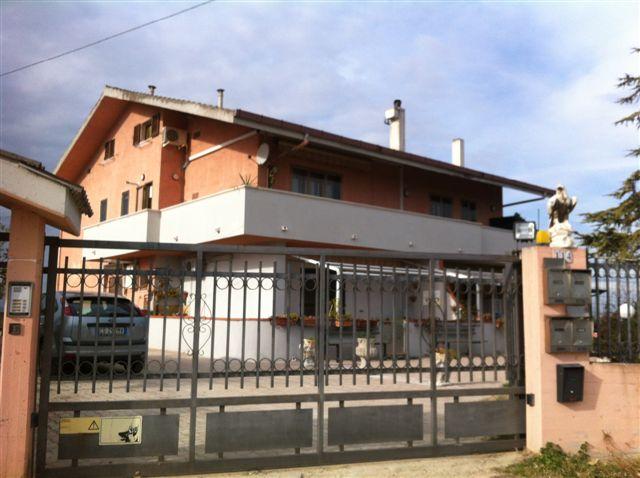 Appartamento in vendita a Ripa Teatina, 4 locali, prezzo € 133.000 | Cambio Casa.it