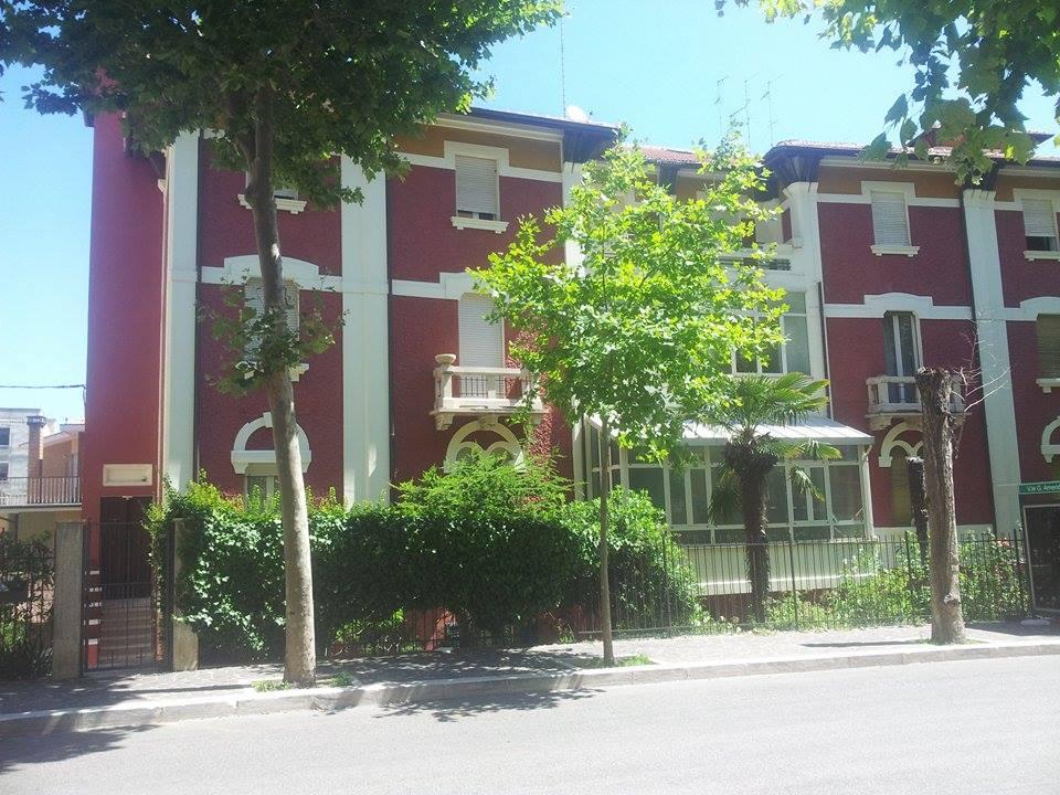 Appartamento in affitto a Chieti, 4 locali, zona Località: V.leAmendola, prezzo € 400 | Cambio Casa.it