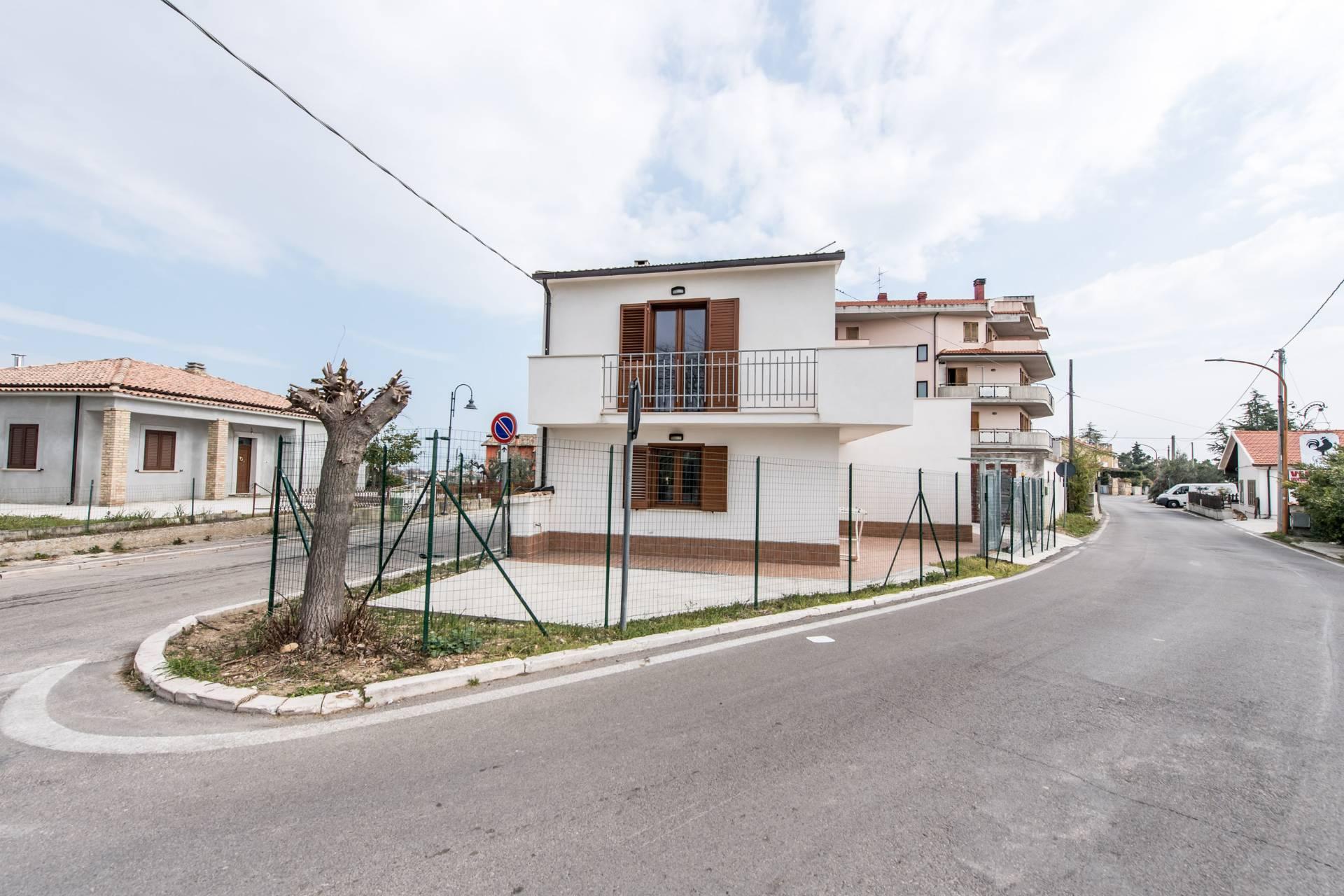 Soluzione Indipendente in vendita a Torrevecchia Teatina, 6 locali, prezzo € 145.000 | CambioCasa.it