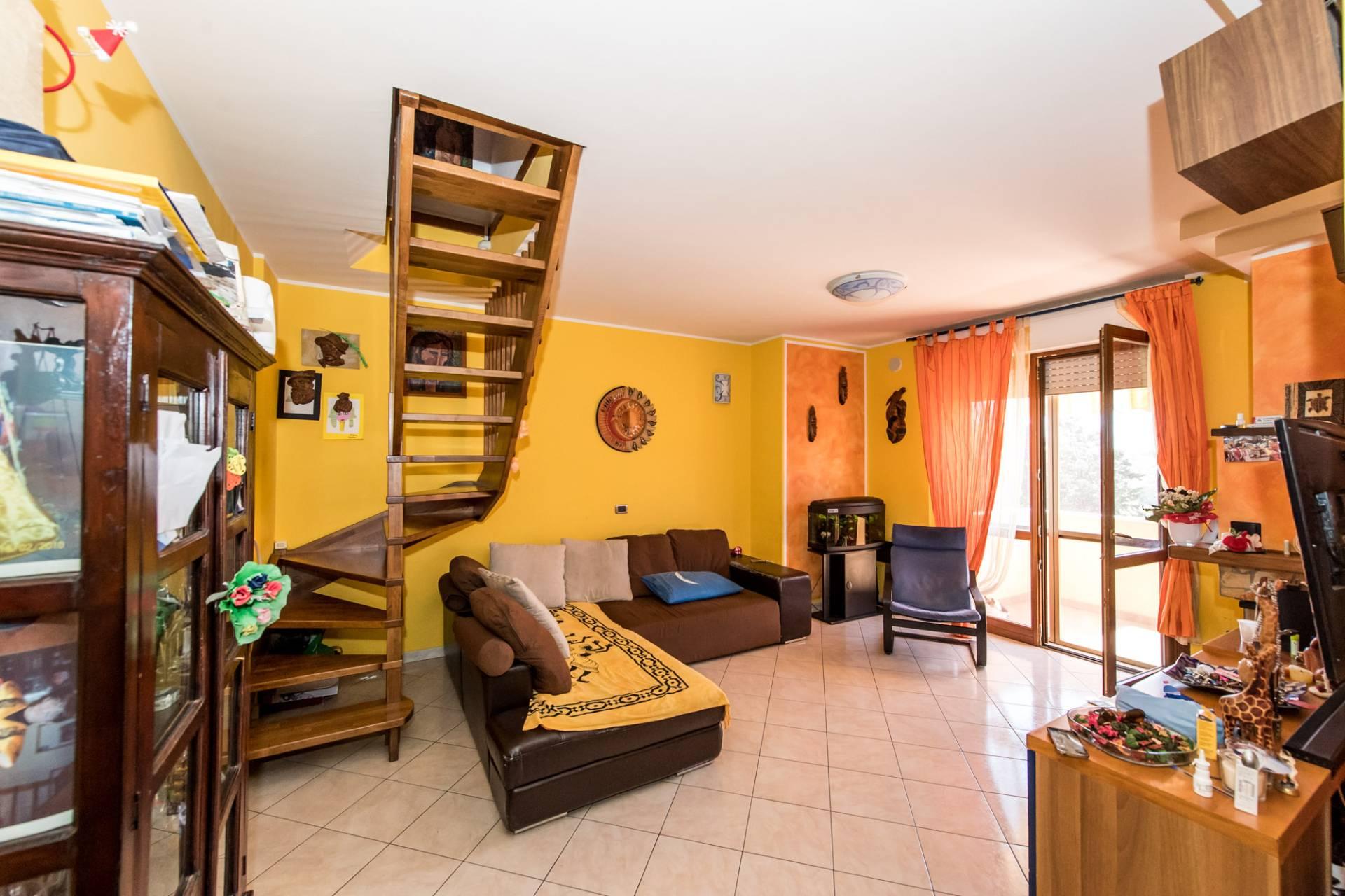 Appartamento in vendita a Pianella, 6 locali, prezzo € 129.000 | CambioCasa.it