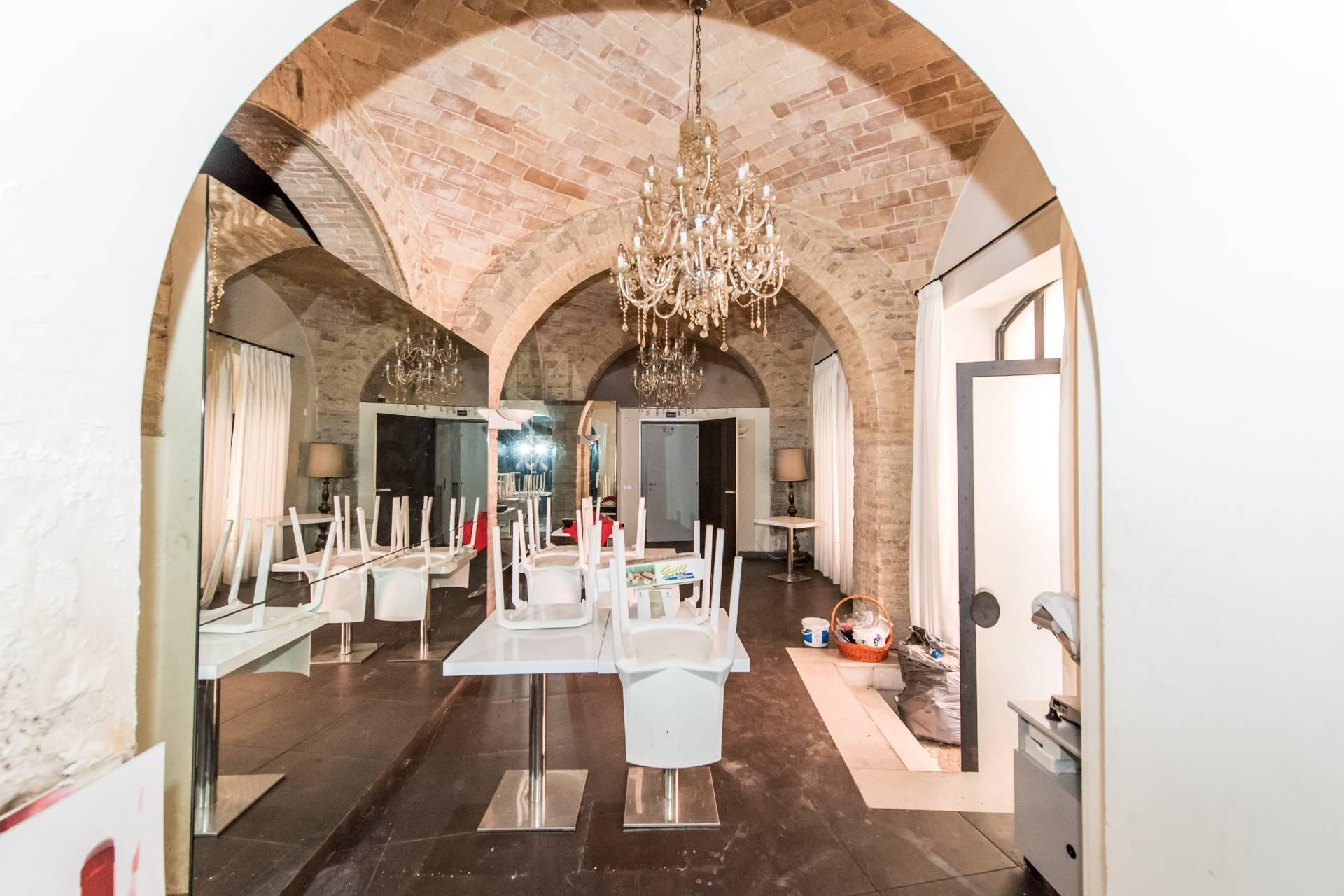 Negozio / Locale in vendita a Chieti, 9999 locali, prezzo € 146.000 | CambioCasa.it