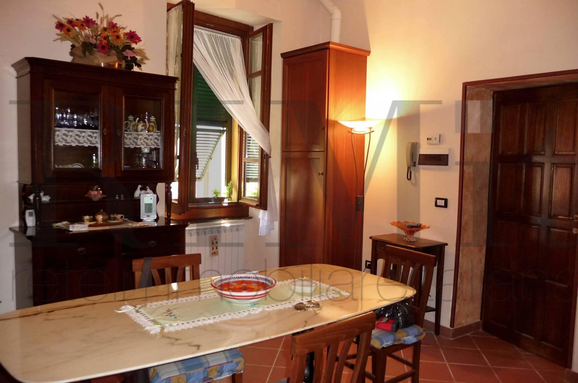 Appartamento in vendita a Carro, 3 locali, prezzo € 129.000 | Cambio Casa.it