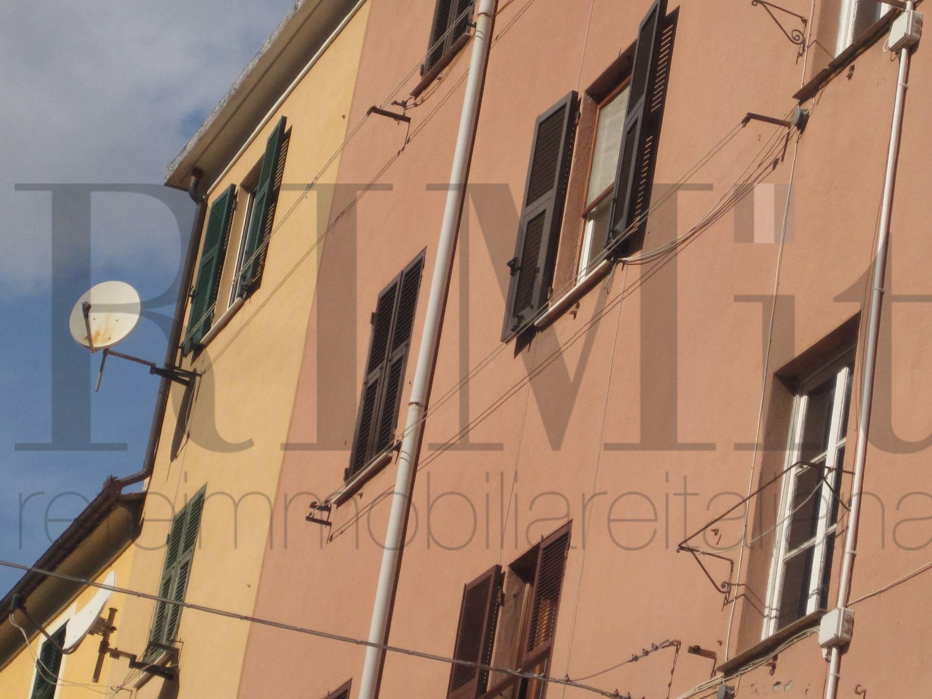 Bilocale Genova Via Delle Fabbriche 2