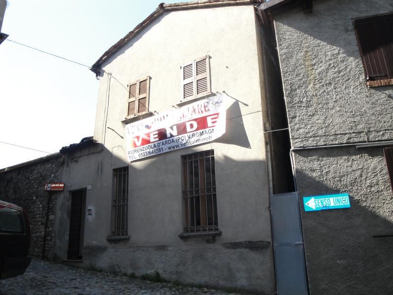 Soluzione Semindipendente in vendita a Castell'Arquato, 3 locali, prezzo € 99.000 | Cambio Casa.it