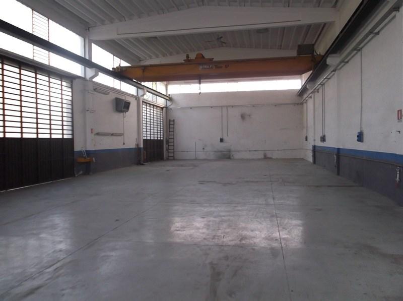 Capannone in vendita a Fiorenzuola d'Arda, 9999 locali, Trattative riservate | CambioCasa.it