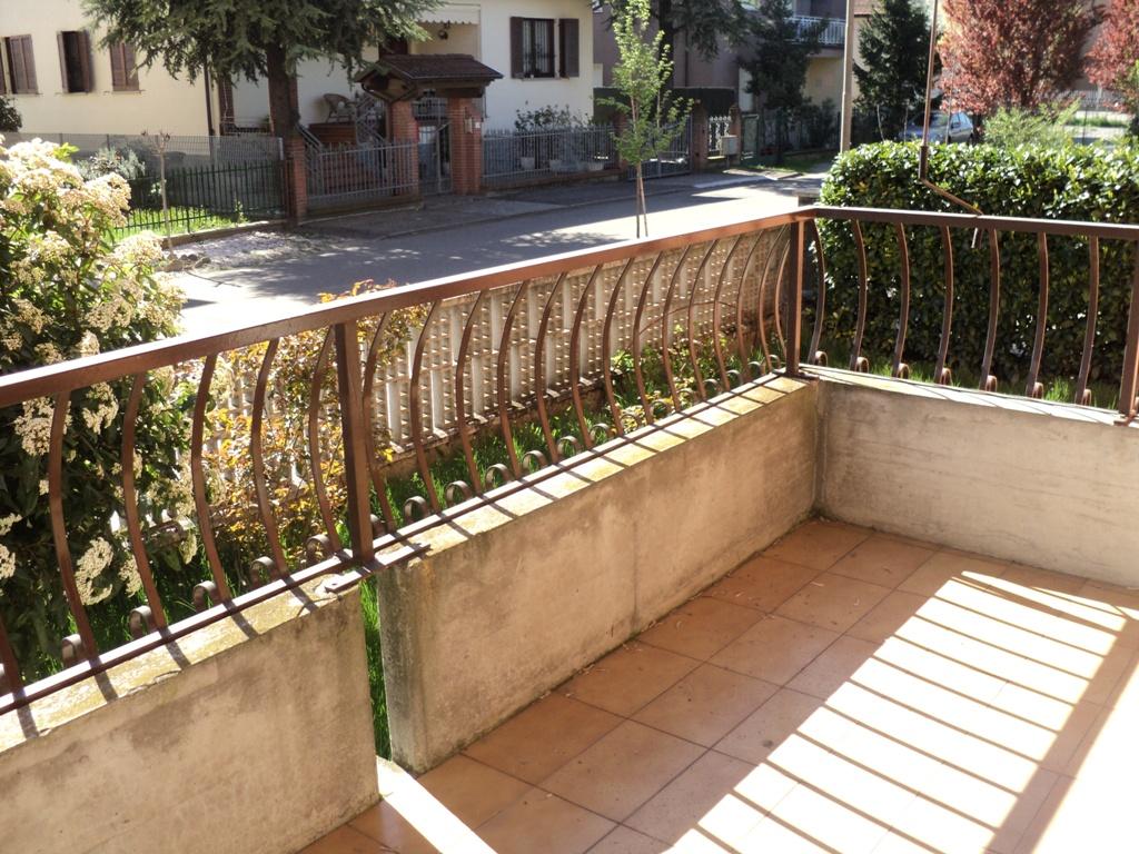 Appartamento in vendita a Cadeo, 4 locali, zona Zona: Roveleto, prezzo € 165.000 | Cambio Casa.it