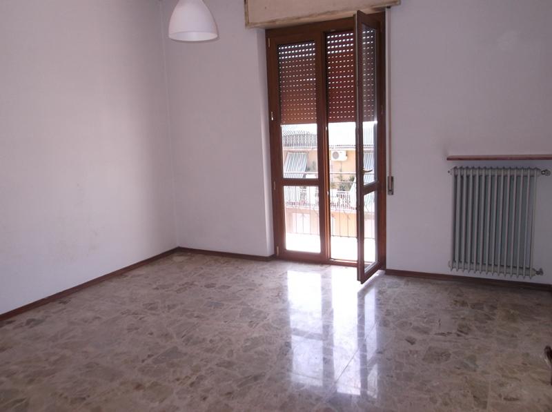 Appartamento in vendita a Fiorenzuola d'Arda, 3 locali, prezzo € 65.000   CambioCasa.it