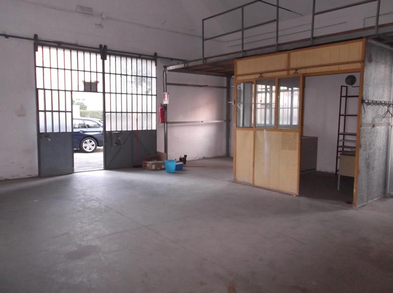 Magazzino in affitto a Fiorenzuola d'Arda, 2 locali, prezzo € 400 | Cambio Casa.it