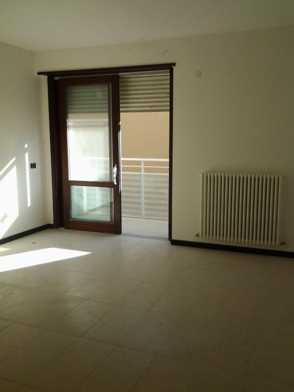 Appartamento in vendita a Fiorenzuola d'Arda, 2 locali, prezzo € 105.000   CambioCasa.it