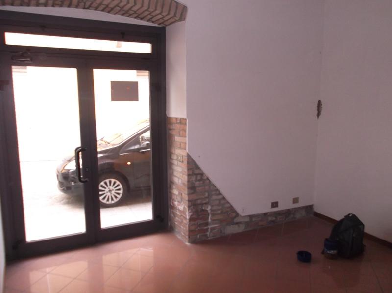 Negozio / Locale in affitto a Lugagnano Val D'Arda, 9999 locali, prezzo € 350 | CambioCasa.it