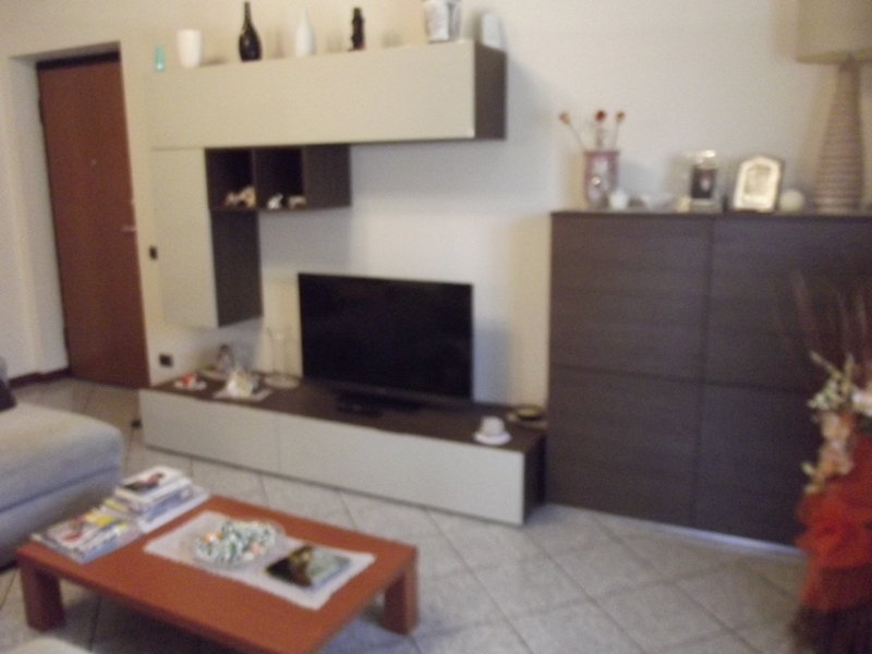 Appartamento in vendita a Cadeo, 3 locali, zona Zona: Roveleto, prezzo € 139.000 | Cambio Casa.it