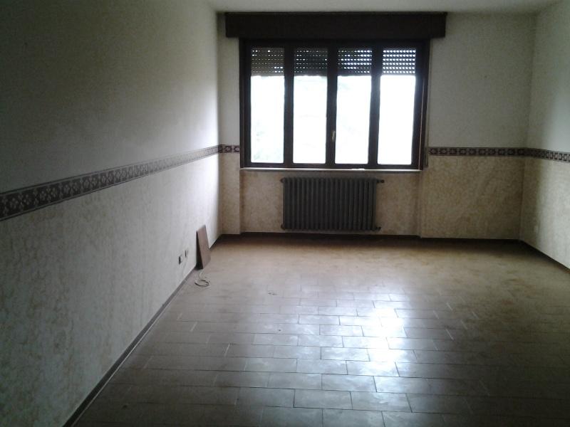 Appartamento in vendita a Lugagnano Val D'Arda, 3 locali, prezzo € 87.000 | CambioCasa.it