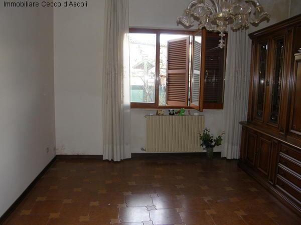 Villa a Schiera in vendita a Ascoli Piceno, 11 locali, zona Zona: Caldaie, prezzo € 200.000 | Cambio Casa.it