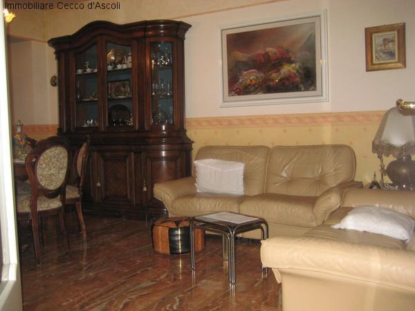 Appartamento in vendita a Ascoli Piceno, 8 locali, zona Zona: Monticelli, prezzo € 130.000 | Cambio Casa.it
