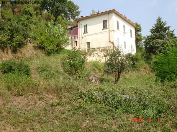Rustico / Casale in vendita a Venarotta, 15 locali, prezzo € 130.000 | Cambio Casa.it