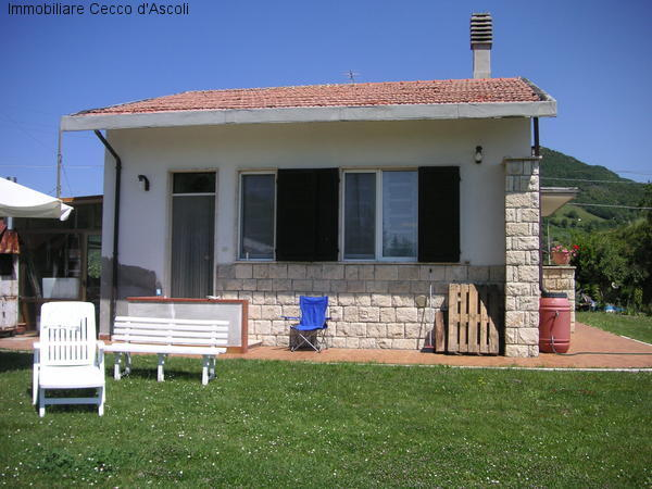Villa a Schiera in vendita a Ascoli Piceno, 4 locali, prezzo € 80.000 | Cambio Casa.it