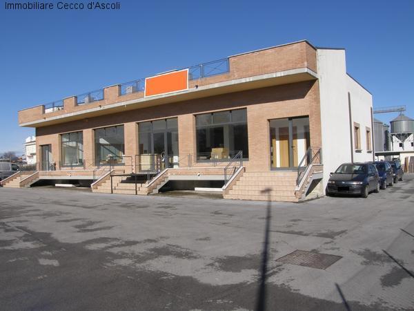 Capannone in vendita a Sant'Egidio alla Vibrata, 9999 locali, prezzo € 550.000 | Cambio Casa.it