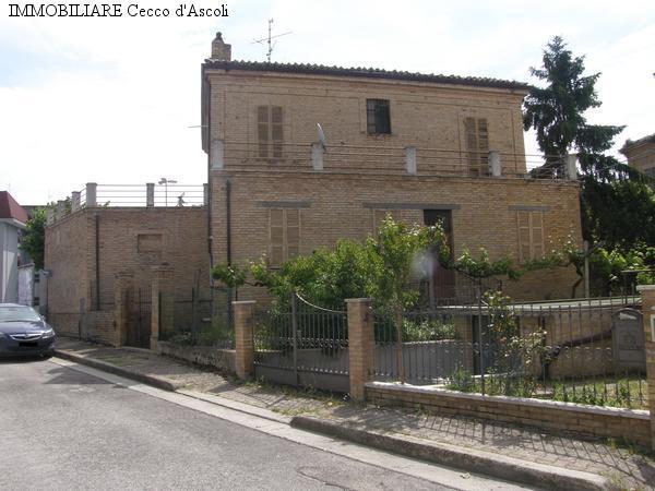 Villa in vendita a Offida, 19 locali, prezzo € 420.000 | Cambio Casa.it