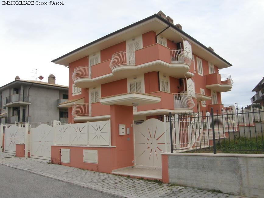 Appartamento in vendita a Castel di Lama, 11 locali, zona Zona: Piattoni, prezzo € 320.000 | Cambio Casa.it
