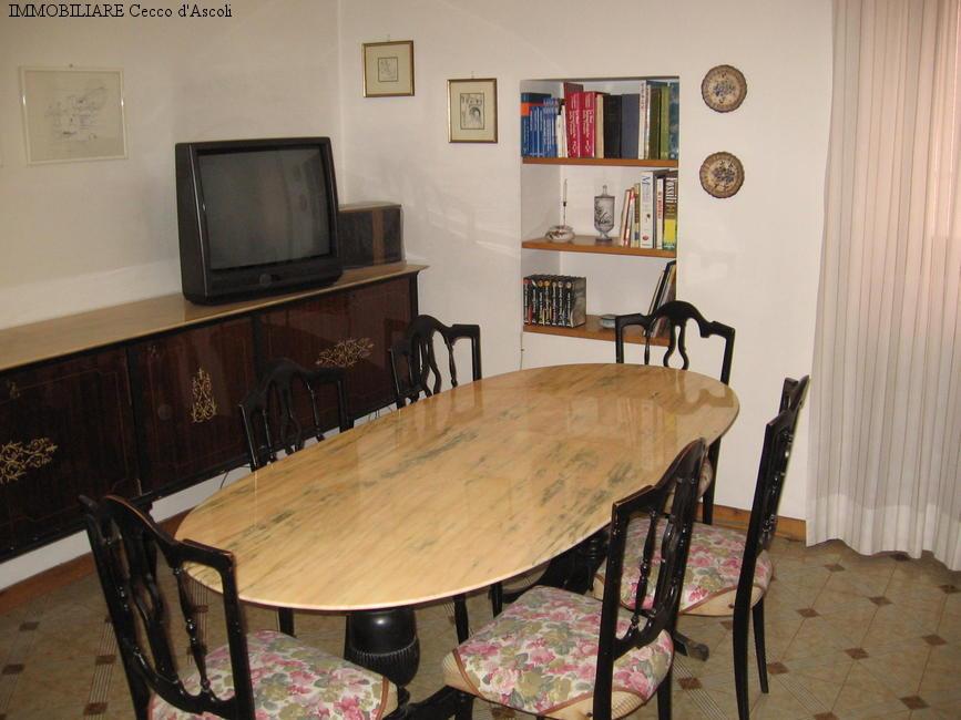 Appartamento in vendita a Acquasanta Terme, 5 locali, prezzo € 53.000 | Cambio Casa.it