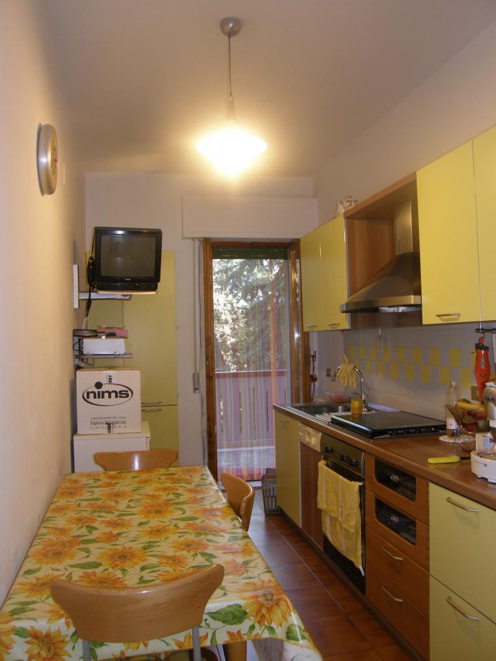 Appartamento in vendita a Folignano, 5 locali, prezzo € 120.000 | Cambio Casa.it