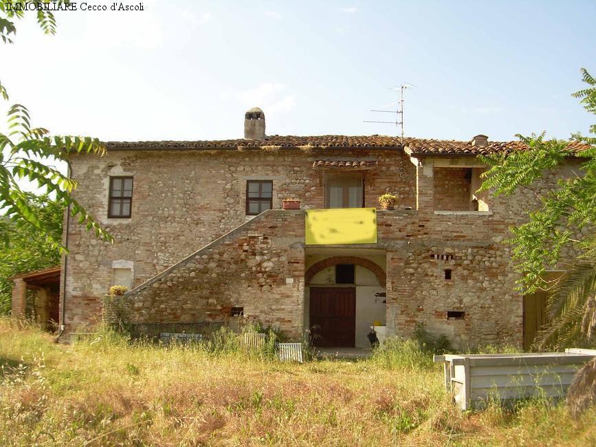Soluzione Indipendente in vendita a Ascoli Piceno, 15 locali, prezzo € 350.000 | Cambio Casa.it