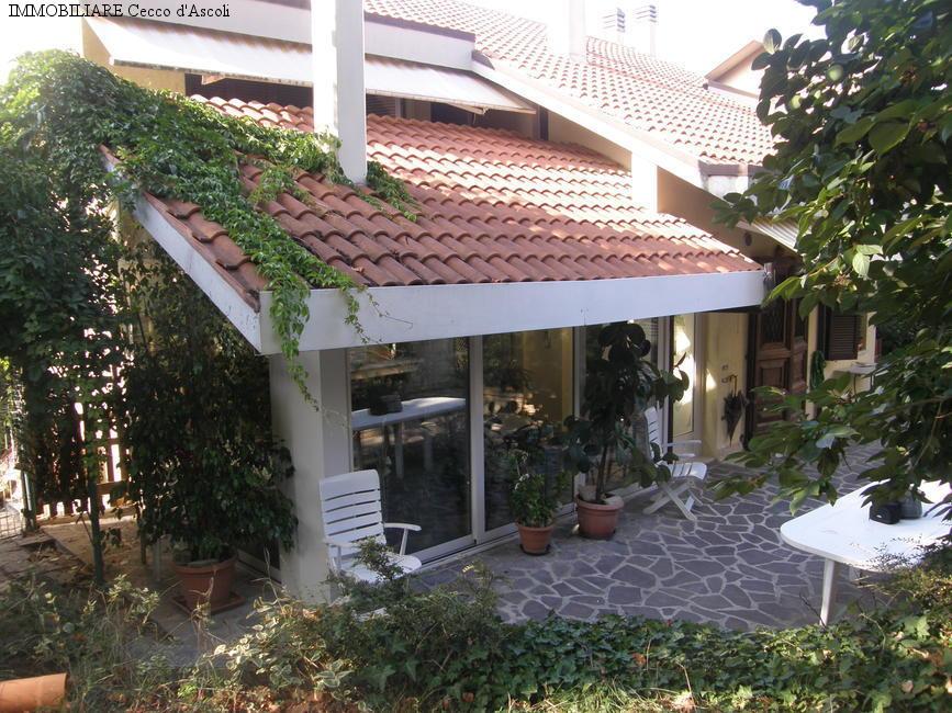 Villa in vendita a Ascoli Piceno, 13 locali, prezzo € 385.000   Cambio Casa.it