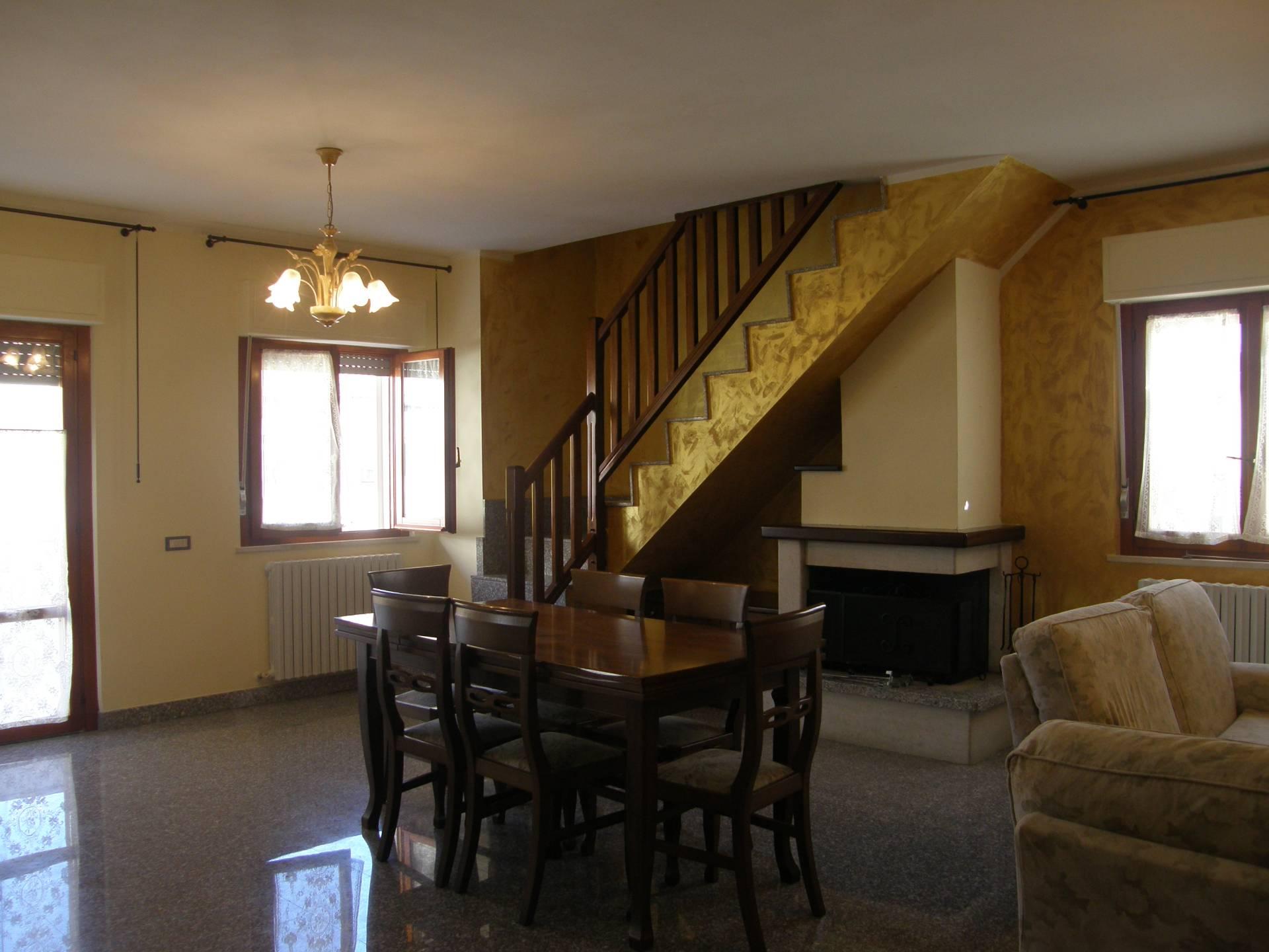 Appartamento in vendita a Ascoli Piceno, 6 locali, prezzo € 145.000   Cambio Casa.it