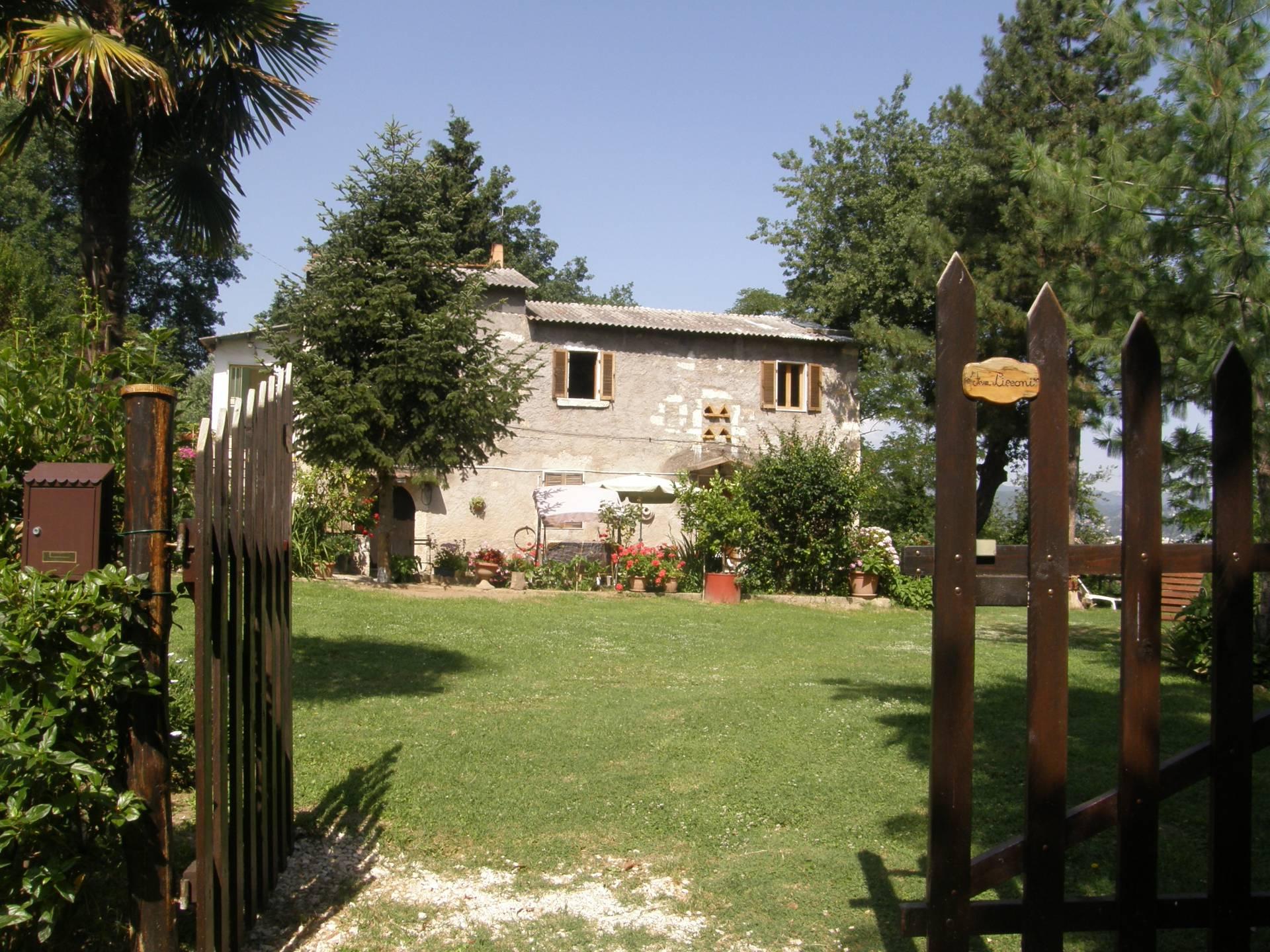 Soluzione Indipendente in vendita a Ascoli Piceno, 11 locali, prezzo € 185.000 | Cambio Casa.it