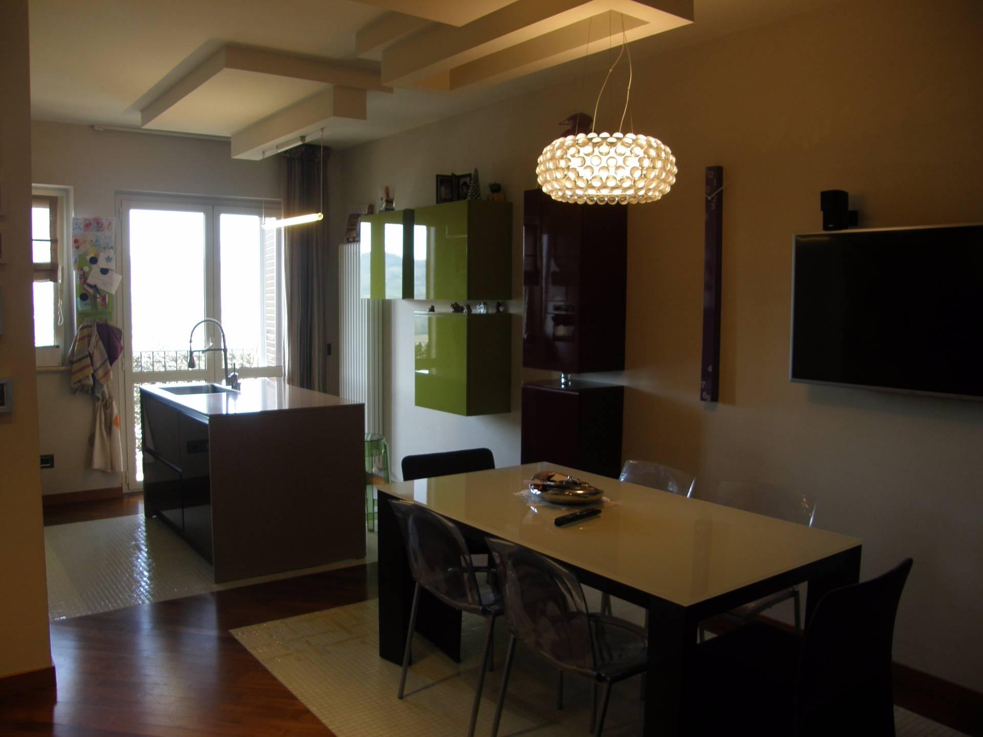 Appartamento in vendita a Ascoli Piceno, 7 locali, zona Località: CasteldiLamaStazione, prezzo € 130.000   Cambio Casa.it