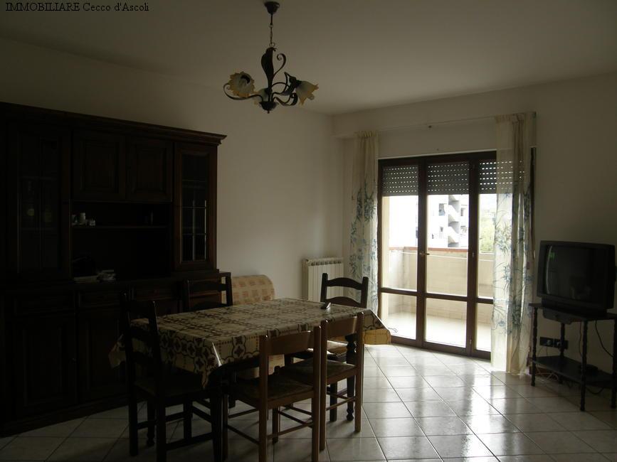 Appartamento in vendita a Ascoli Piceno, 4 locali, zona Zona: Monticelli, prezzo € 100.000 | Cambio Casa.it