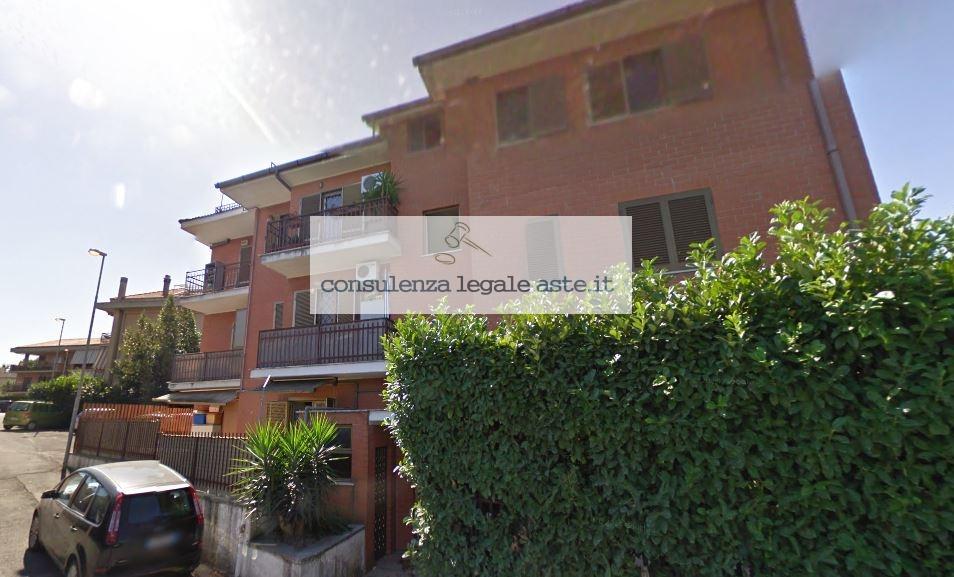 Bilocale Castel Gandolfo Via Colle Fiorito 1