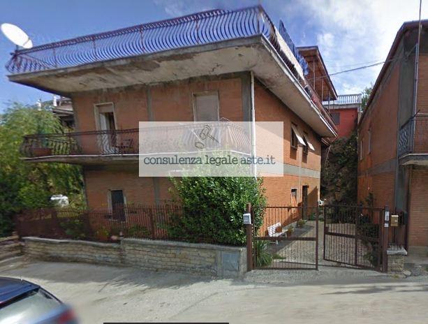 Bilocale Rocca di Papa Via Albalonga 2